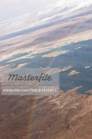 Arc-en-ciel sur le lac Mead, Boulder City, Nevada, USA