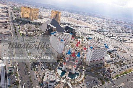 Vue aérienne de la Strip de Las Vegas, vue de l'hôtel Excalibur, Las Vegas, Nevada, USA