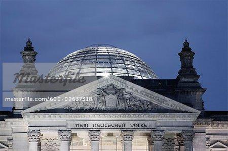 Reichstag dans la nuit, Berlin, Allemagne