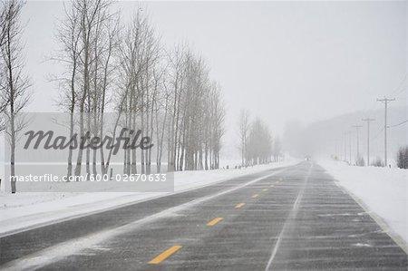 Route en hiver, Ontario, Canada