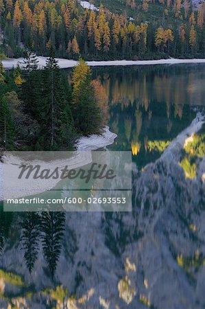 Lac Braies, Fanes Alpes, parc naturel de Fanes-Senes-Braies, South Tyrol, Italie