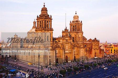 Cathédrale métropolitaine de Mexico City au crépuscule, Mexico City, Mexique