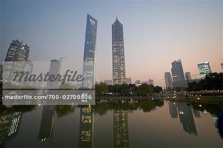 Skyline de Shanghai au crépuscule, Chine