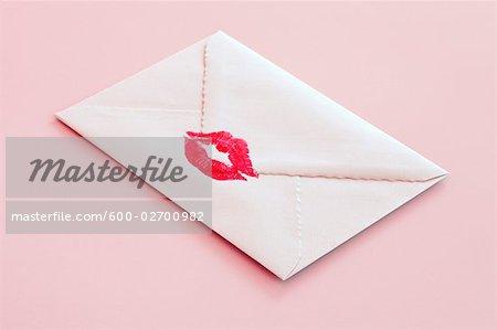 Enveloppe cachetée avec un baiser