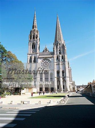 West front, Notre Dame Cathedral, UNESCO World Heritage Site, Chartres, Val de Loire, Centre, France, Europe