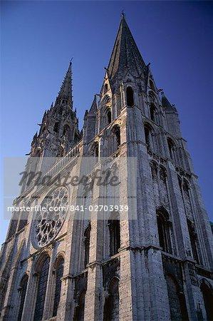 L'extérieur de la cathédrale chrétienne, Chartres, patrimoine mondial de l'UNESCO, Eure et Loir, Centre, France, Europe