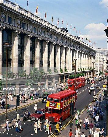 Kaufhaus Selfridges und alten Routemaster Bus bevor sie zurückgezogen, auf der Oxford Street, London, England, Vereinigtes Königreich, Europa waren