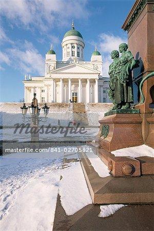 Cathédrale chrétienne luthérienne en hiver neige, Helsinki, Finlande, Scandinavie, Europe