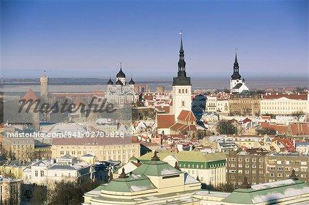 Élevée hiver vue sur la vieille ville vers la cathédrale Alexander Nevsky, Tallinn, patrimoine mondial de l'UNESCO, l'Estonie, pays baltes, Europe
