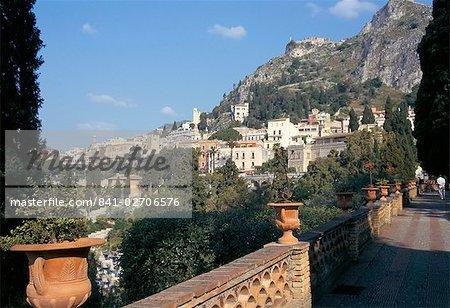 Taormina from the public gardens, island of Sicily, Italy, Mediterranean, Europe