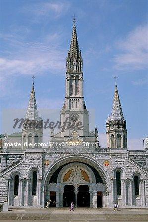 Basilica du Rosaire (Basilica Notre Dame du Rosaire), Lourdes, Midi Pyrenees, France, Europe