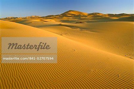 Dunes de l'Erg Chebbi, désert du Sahara près de Merzouga, Maroc, Afrique du Nord