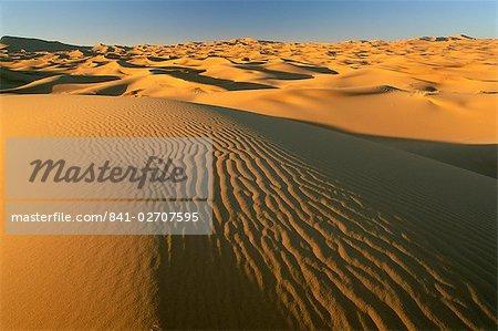 Dunes de l'Erg Chebbi, désert du Sahara près de Merzouga, Maroc, Afrique du Nord, Afrique