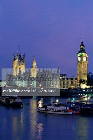 Häuser des Parlaments in die Themse, London, England, Vereinigtes Königreich, Europa