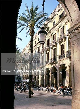 Placa Reial, Barcelona, Catalonia (Cataluna) (Catalunya), Spain, Europe