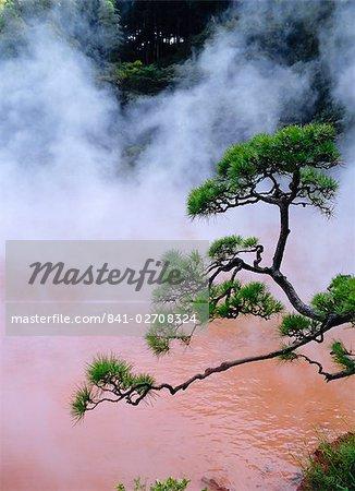 Blood Pond Hell (Chinoike Jigoku), natural hot springs (onsen), Beppu, Kyushu, Japan