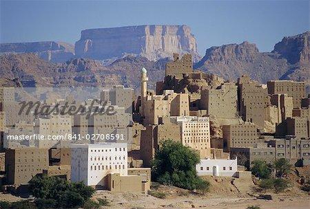 Maisons de brique de boue à plusieurs étages, Hibbaan, basse Hadramaut, Yémen, Moyen-Orient