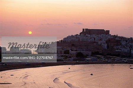 Sunrise over the citadel and castle, Peniscola, Costa del Alzahar, Valencia, Spain, Mediterranean, Europe