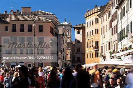 Foule à la Piazza Navona, Rome, Lazio, Italie, Europe
