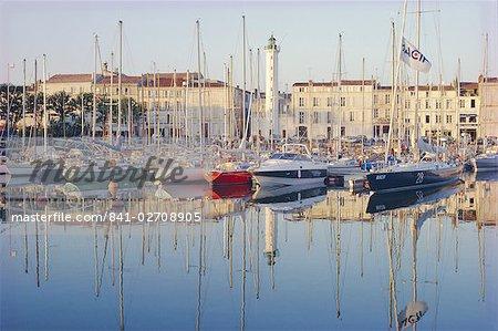 Le port dans la soirée, La Rochelle, Poitou-Charentes, France, Europe