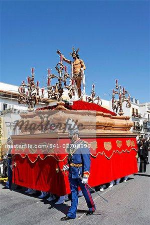 Flotteur de ressuscité Jésus, procession de Pâques à la fin de Semana Santa (Semaine Sainte), Ayamonte, Andalousie, Espagne, Europe