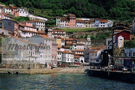 Cudillero, village de pêcheurs sur la côte nord des Asturies, Espagne, Europe