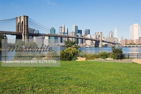 Gratte-ciel de Manhattan, Brooklyn Bridge et l'East River, Brooklyn Bridge Park, New York City, New York, États-Unis d'Amérique, Amérique du Nord
