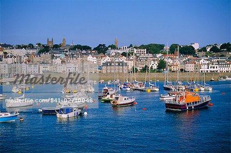 Petits bateaux à St Peter Port, Guernsey, Channel Islands, Royaume-Uni