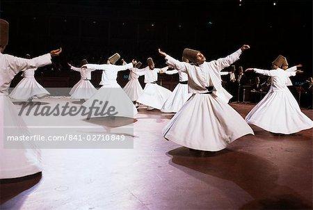 Prises au Royal Albert Hall de Londres, les derviches tourneurs de Konya, Turquie, Asie mineure, Eurasie