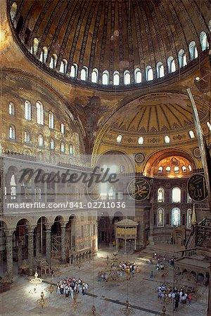 Intérieur de la mosquée de Santa Sofia, à l'origine une église Byzantine, patrimoine mondial UNESCO, Istanbul, Turquie, Europe