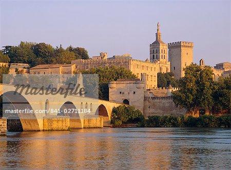 Pont St. Benezet bridge and Papal Palace, Avignon, Provence, France, Europe