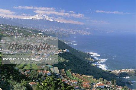 Vue aérienne de la côte nord et le Teide, Tenerife, îles Canaries, Atlantique, Espagne, Europe