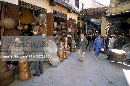 Le souk de la Medina (vieille ville fortifiée), Fès, Maroc, Afrique du Nord Afrique