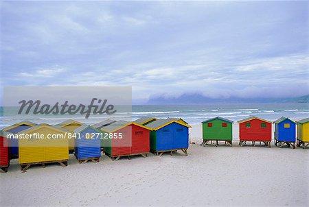 Cabanes de plage, Muizenberg, près du Cap, la péninsule du Cap, Afrique du Sud
