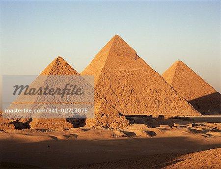 Pyramides au coucher du soleil, Gizeh, patrimoine mondial UNESCO, près du Caire, en Égypte, en Afrique du Nord, Afrique