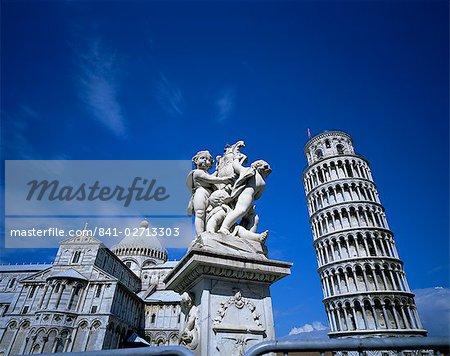 Statue, tour penchée et Duomo, Site du patrimoine mondial de l'UNESCO, Pise, Toscane, Italie, Europe