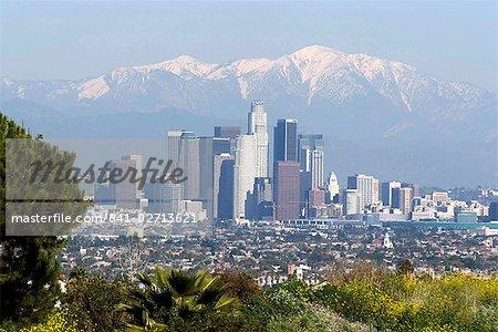 Vue du centre-ville de Los Angeles regardant vers San Bernardino montagnes, Californie, États-Unis d'Amérique, l'Amérique du Nord