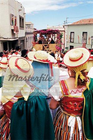 People wearing traditional dress during Corpus Christi celebration, La Orotava, Tenerife, Canary Islands, Spain, Atlantic, Europe