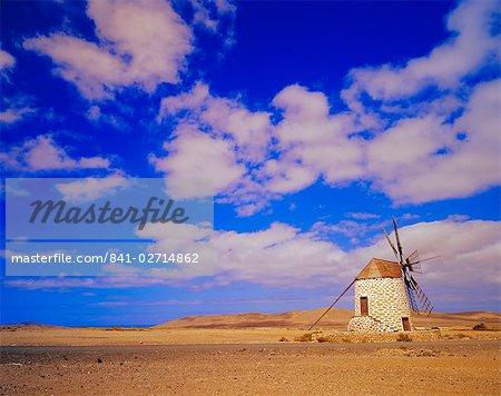 Vieux moulin à vent près de Tefia, Fuerteventura, îles Canaries, Espagne