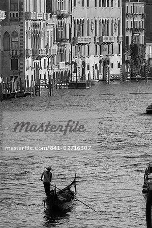 Lone gondole, Grand Canal, Venise, Italie