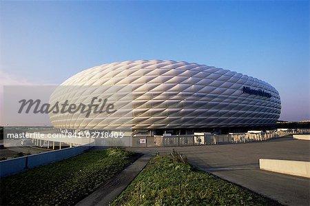Le stade de football Allianz Arena, qui accueillera le match d'ouverture du 2006 coupe du monde, Munich, Bavière, Allemagne, Europe