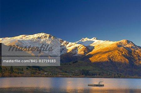 Lever du soleil, lac Hayes, Queenstown, Central Otago, île du Sud, Nouvelle-Zélande, Pacifique