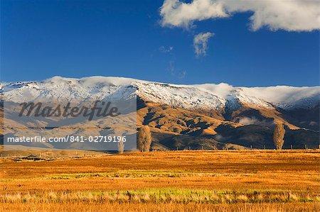 Terres agricoles et la plage de Dunstan, vallée de Manuherikia, Central Otago, île du Sud, Nouvelle-Zélande, Pacifique