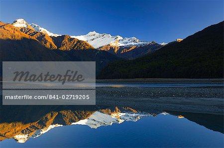 Mont aspirant et Matukituki River, Mount aspirant Nationalpark, Wanaka, Central Otago, île du Sud, Nouvelle-Zélande, Pacifique