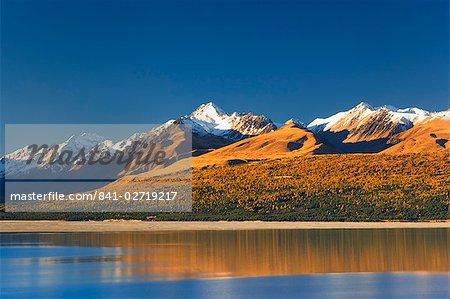 Lac Pukaki et Mont Stevenson, gamme de garrigues, île du Sud, Nouvelle Zélande, des Alpes, Canterbury, Southern Pacific