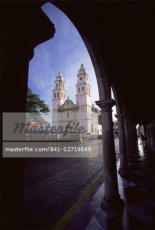 La cathédrale, la ville de Campeche, Campeche, Yucatan, au Mexique, l'Amérique du Nord