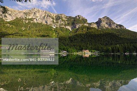 Lac Hintersee près de Ramsau, Berchtesgaden, Bavière, Allemagne, Europe