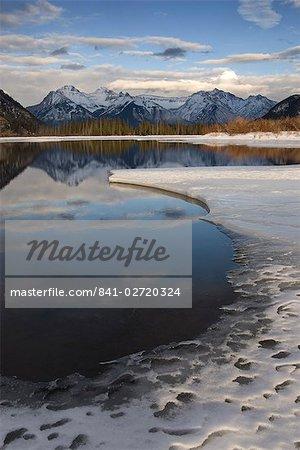 Vermilion Lakes, Banff National Park, UNESCO World Heritage Site, Rocky Mountains, Alberta, Canada, North America
