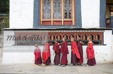 Bouddhiste de jeunes moines, monastère de Dratsang Karchu, Buthang, Bhoutan, Asie