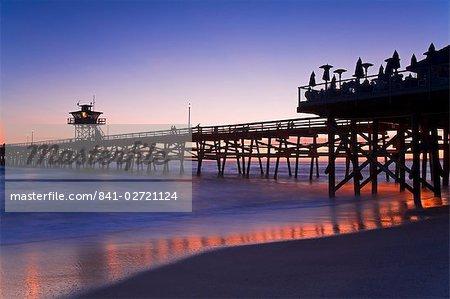 Quai municipal au coucher du soleil, San Clemente, Orange County, Californie, États-Unis d'Amérique, Amérique du Nord